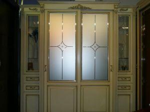 Классический шкаф купе массив с фацетными зеркалами и гравировкой Анапа