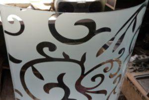 Стекло радиусное с пескоструйным рисунком для радиусных дверей Анапа