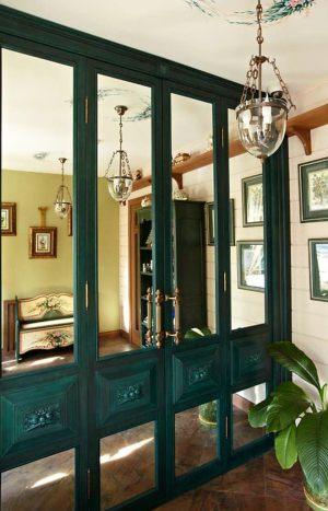 Распашные двери филенкой и декоративными накладками Анапа